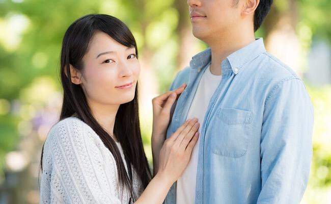 女性がボディタッチをする心理って?恋のアピールを見極める戦略的恋愛解説