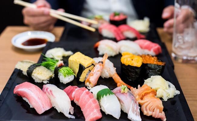 寿司奢るか奢らぬか