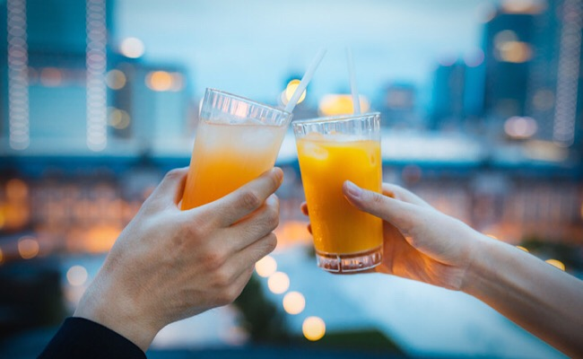 オレンジジュースで乾杯