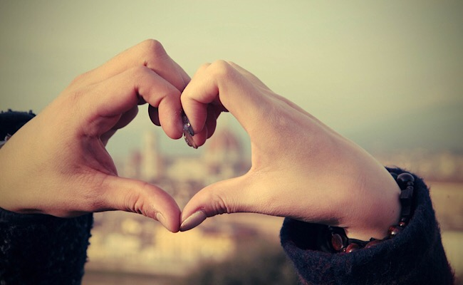 【憧れの国際恋愛】国内外でアメリカ人と出会う方法