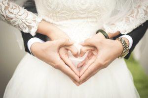 現代で結婚する意味はある?結婚のメリットとデメリットを具体的に紐解いてみた