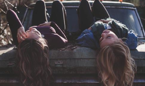 【大人の友達の作り方】社会人になると難しい?新しく友達を作る方法を解説