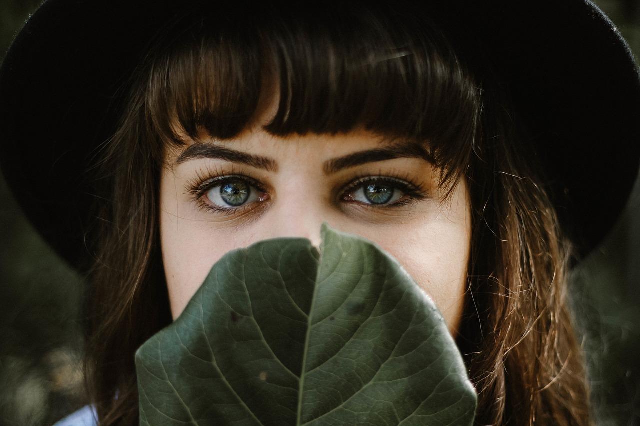 緑の目の女性